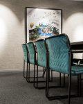 Sköna stolar i konferensrum